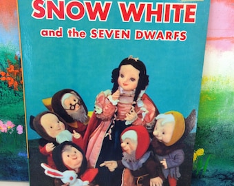 """Vintage Living Book """"Snow White and the Seven Dwarfs"""""""