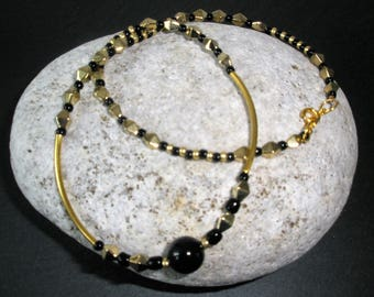 Black Pearl & Gold Necklace