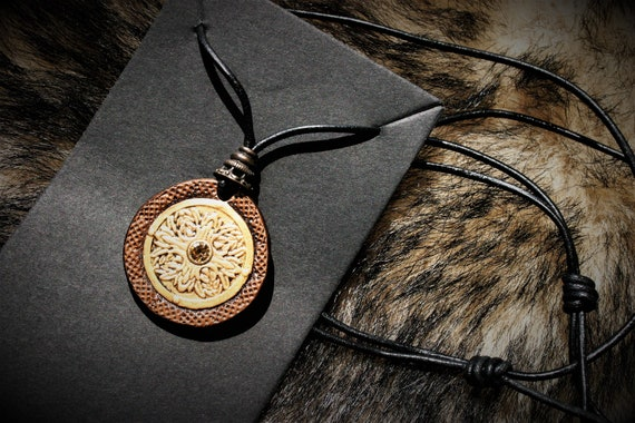 pendant necklace, medieval jewel, medallion, fantasy leather, embossing leather