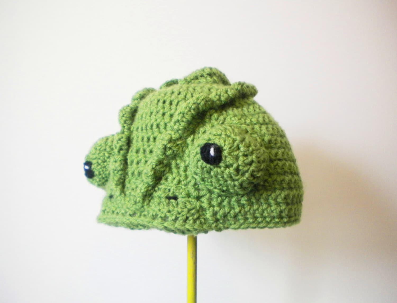 Crochet Chameleon Hat realistic lizard crochet beanie