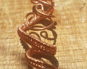 Simple twisted pendant, wire wrapped in bright copper