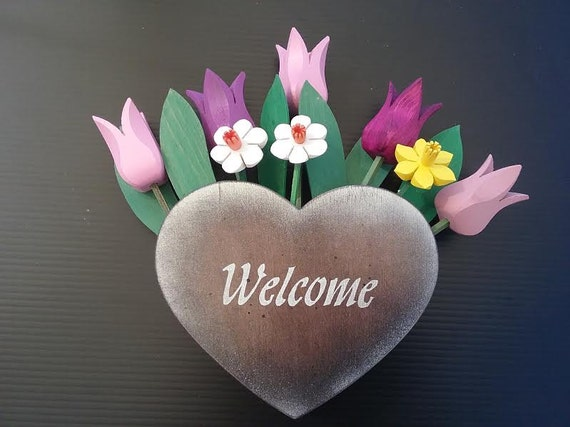 Welcome Heart with wooden flowers