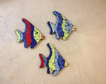 outdoor sculptures, fish sculptures, pool mosaic, fence ornaments, tile mosaic sculptures, tropical fish, pool decoration