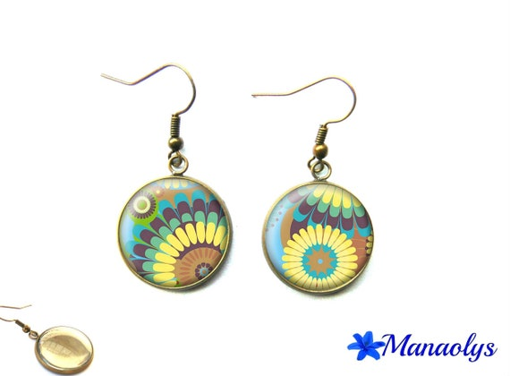Vintage bronze cabochons earrings glass yellow and blue pattern 1674