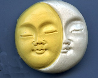 """Polymer Yellow and Pearl    1 1/2"""" Sun and Moon Face Cab SMYP3"""