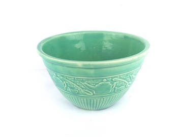 "1930s USA Pottery GREEN Glaze 8"" Mixing Bowl Stoneware with Teapots and Spoons Design"