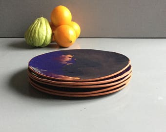 The large round plate