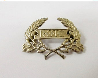 On Sale Vintage ROTC Uniform Pin Item K # 1841