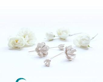 Peony Earrings Whitened Silver