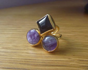 Amethyst and onyx ring