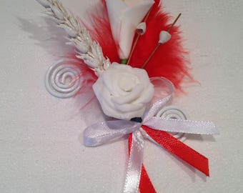 Red and white BOUTONNIERE favor for the groom