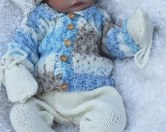 baby  knitting pattern  jacket hat  leggings and mitts . sizes 0/3  to 12m dk   pattern only instand download