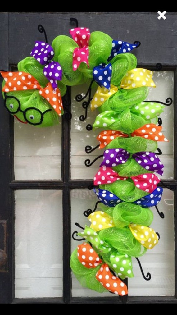 Classroom Decor Gifts ~ Back to school wreath bookworm classroom decor gift