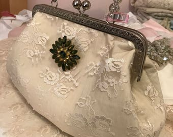 Retro 1940's style purse in lace with antique style brooch
