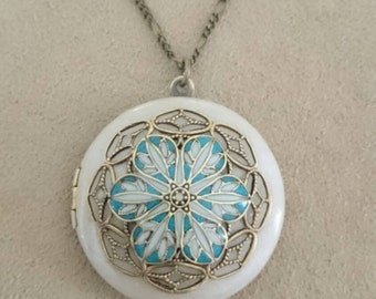 Flower Filigree Locket/antique style/something blue/Anniversary/Bridesmaid gift/Wedding/Birthday/Sister/Mom/Daughter/Photo Picture/friend.