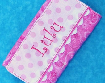 Personalized crayon wallet with paper and Crayola crayons, pink with sparkles