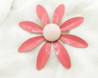 Vintage Pin - Gardener's Delight !!! Pretty in Pink Daisy Pin 1960's