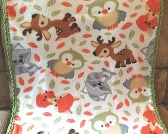 Woodland Animals Fleece Baby Blanket. Forest Animals Crochet Trim Fleece Blanket. Gender neutral baby blanket. Boy / Girl baby gift