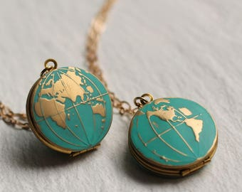 World Map Locket, Personalised Globe Necklace, Planet Earth Necklace, Personalized Necklace, Turquoise Locket, Traveller, Travel Necklace,