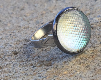 Holographic Dragon Scale Ring