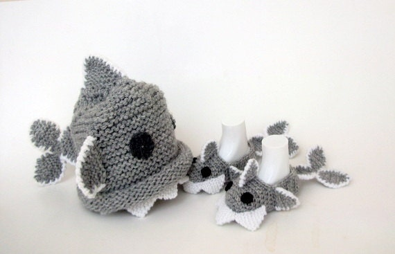 Crochet baby shark slippers and hatcrochet baby booties for like this item dt1010fo