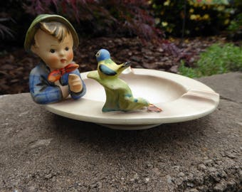 Boy with Bird Ashtray Hummel