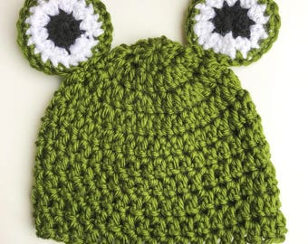 Frog beanie hat! Gree  crochet frog hat, with large eyes, for all ages!