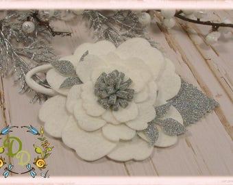 Felt flower headband, Christmas Headband, Ivory flower headband, Baby headband, Baby Hair Clip,Newborn headband, Hair Clip, Christmas crown