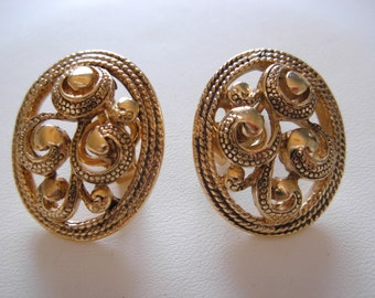 Vintage 1980s Gold Plated Clip Earrings