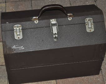 Large Kennedy 1018 Tackle Box