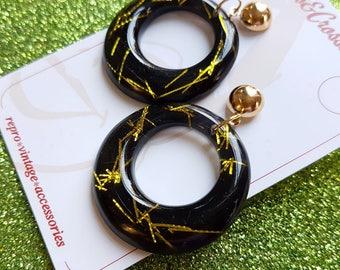 Amelia lucite confetti hoop earrings - Chartreuse & black