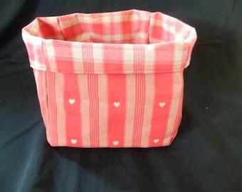 great cottage/heart pattern basket