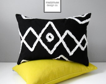 Black & White Outdoor Pillow Cover, Decorative Moroccan Tribal Pillow Cover, Modern Bohemian Decor, Sunbrella Beni Ourain Cushion Cover