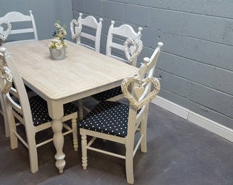 Stunning 5ft Table and Chair Set