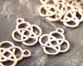 10 Silver Tone 18mm x 15mm Celtic Knot Charm (ES063)
