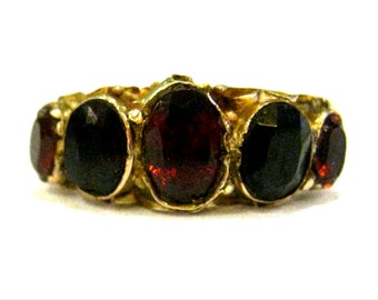 9K Gold & Garnet Victorian Ring - X3074