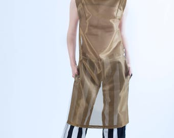 Jumpsuit Pant-dress, like stand-up collar.