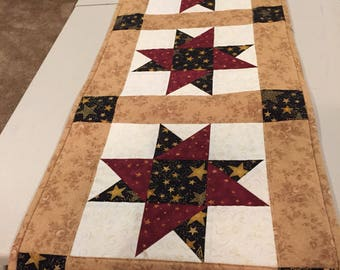 Star quilted tablerunner - quilted table topper - quilt - table linens