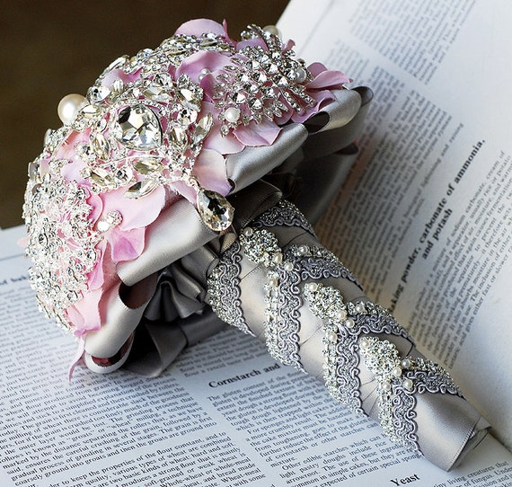wedding bouquets with bling luxury vintage bridal brooch bouquet pearl rhinestone 8537