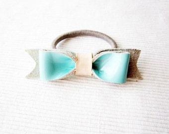 Girls hair bow, Aqua bow ponytail, Mint blue leather bow, Light blue hair bow ponytail, Aqua hair bow elastic, Light blue elastic hair bow