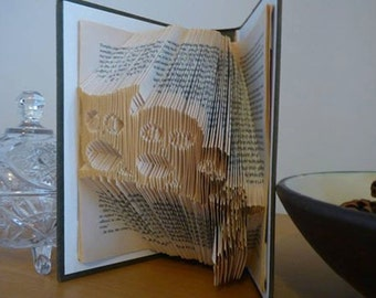 Book folding art pattern for Owls