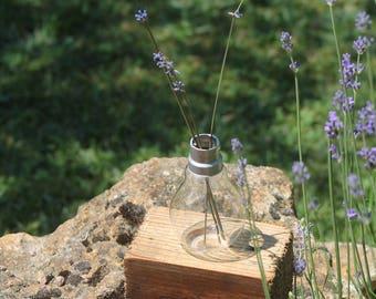 upcycling bulb vase