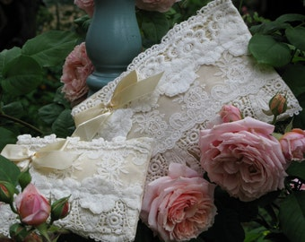 large lace zip purse. lace bag. lace purse. wedding purse. jewelry holder.