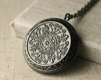 Large Locket Necklace Antiqued Silver plated photo locket, long Chain locket secret message gift to sister mother girlfriend daughter N74