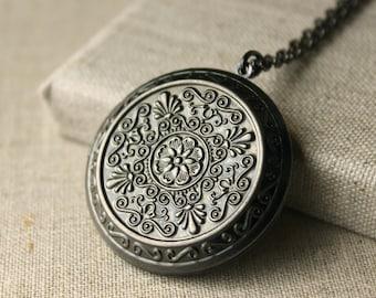 Large Locket Necklace Antiqued Silver photo locket, long Chain locket secret message locket gift to sister mother girlfriend daughter N74
