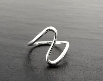 Large Wave Ring - Sterling Silver - Wavy Large Ring - Popular Ring - Curved Ring - Zigzag Ring - Heart Beat Ring - Infinity Ring - Z ring