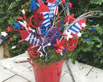 Patriotic Floral Arrangemnet,4th of July Centerpiece, Americana centerpiece, 4th of July Wreath decor, patriotic centerpiece,USA arrangement
