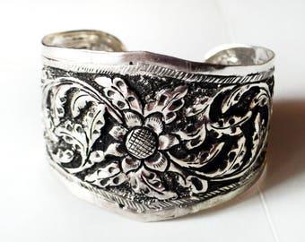 Antique Silver Cuff bracelet,TRIBAL CUFF,Flower cuff Bracelet,Vintage Silver Cuff Bracelet,Adjustable Cuff,by Taneesi Jewelry