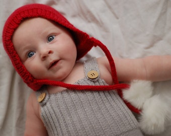 Baby Christmas hat, Christmas photo prop, Christmas hat, Baby's first christmas, baby christmas gift, new baby present, Christmas bonnet 0-6