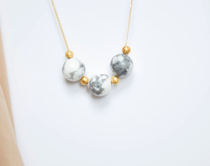 Howlite and Gold Beads Necklace